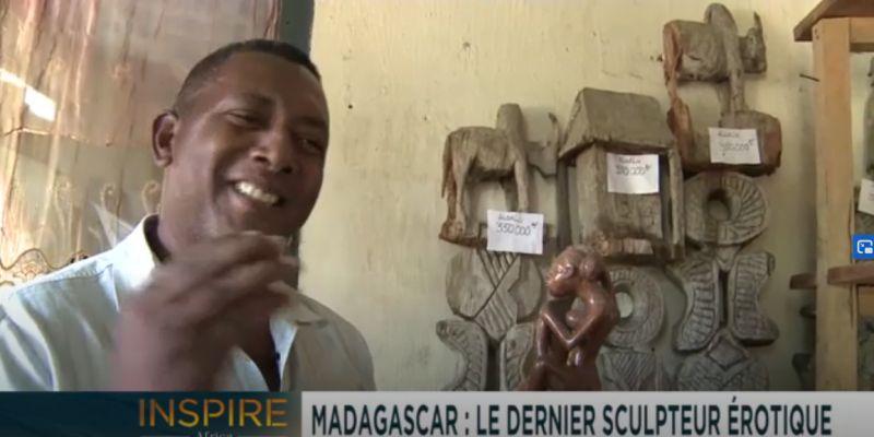 Evariste, l'unique sculpteur érotique dans la tribu malgache des Sakalava