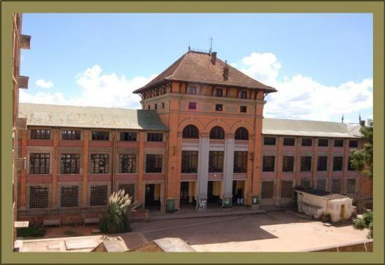 """Le lycée d'Andohalo (autrefois appelé """"Lycée Gallieni"""")"""