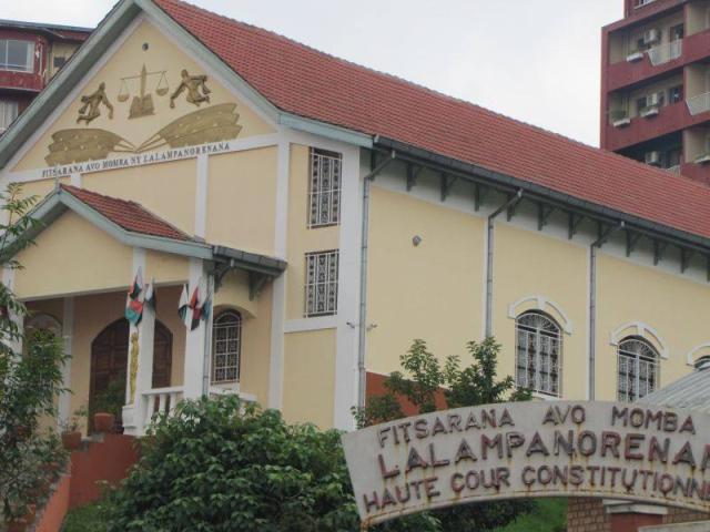 Le gouvernement malagasy interdit 9 émissions de radio télé pendant 15 jours