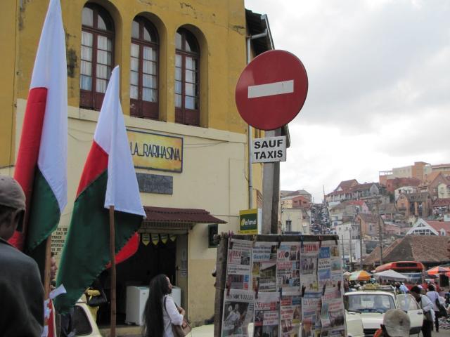 Le gouvernement malgache interdit 9 émissions de radio pendant 15 jours